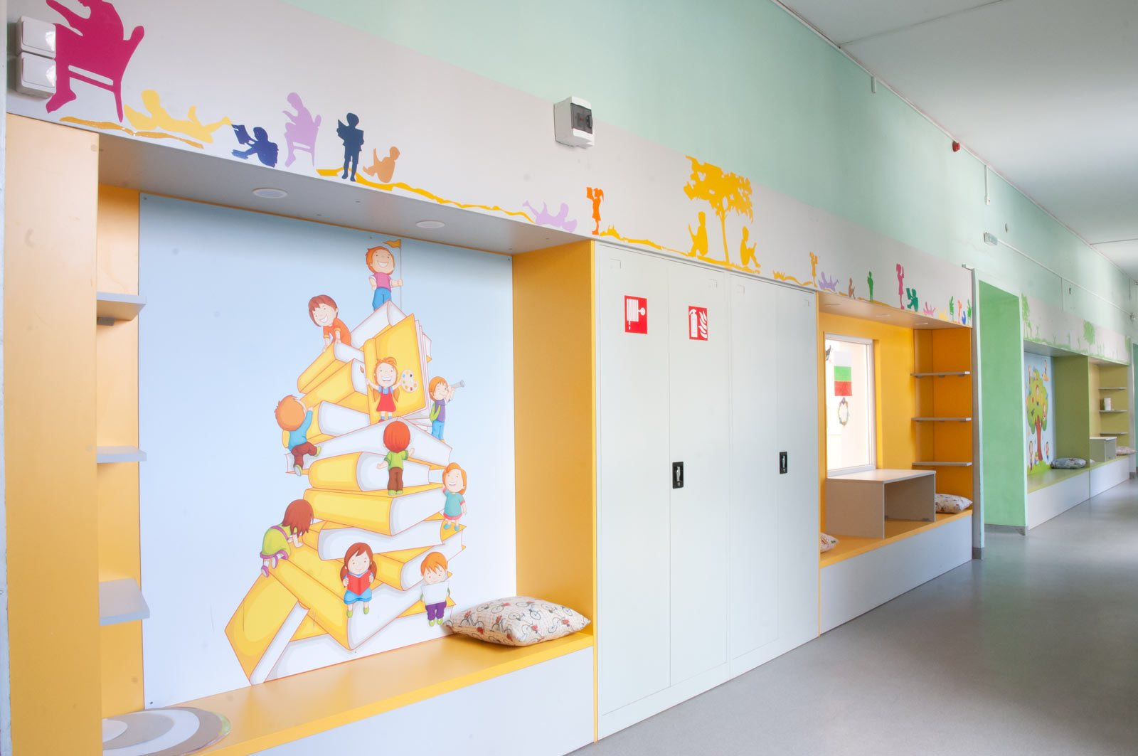 EZF1459-hallway