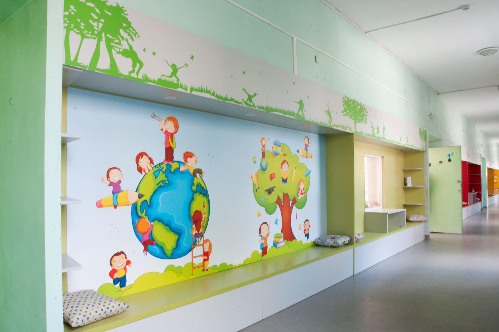 EZF1460-hallway
