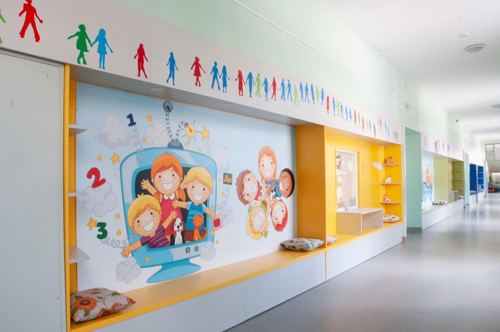 EZF1468-hallway
