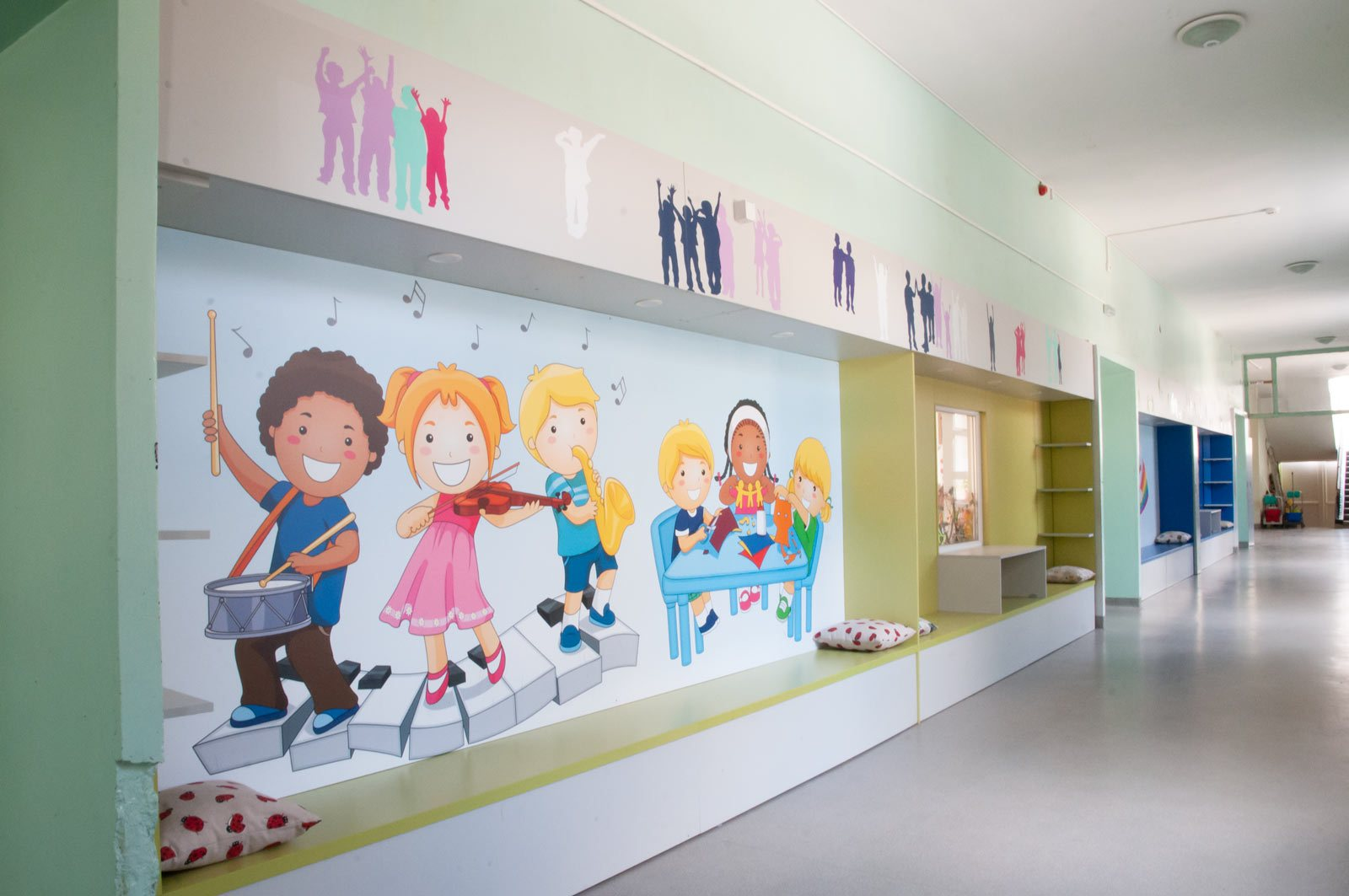 EZF1469-hallway